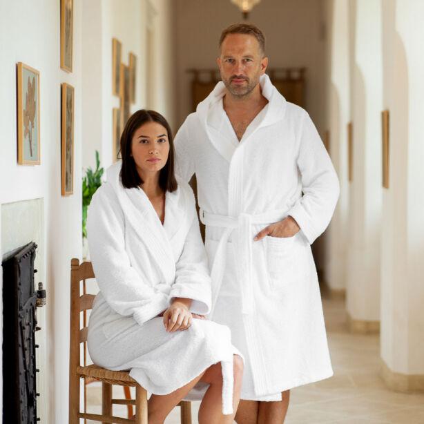 Pure fehér XL-es fürdőköntös kapucnival